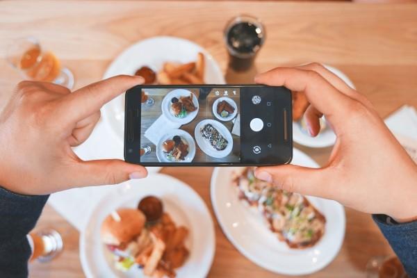 como divulgar em rede social