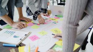 Read more about the article Estrategista ou gestor de redes sociais: quem ganha mais dinheiro?