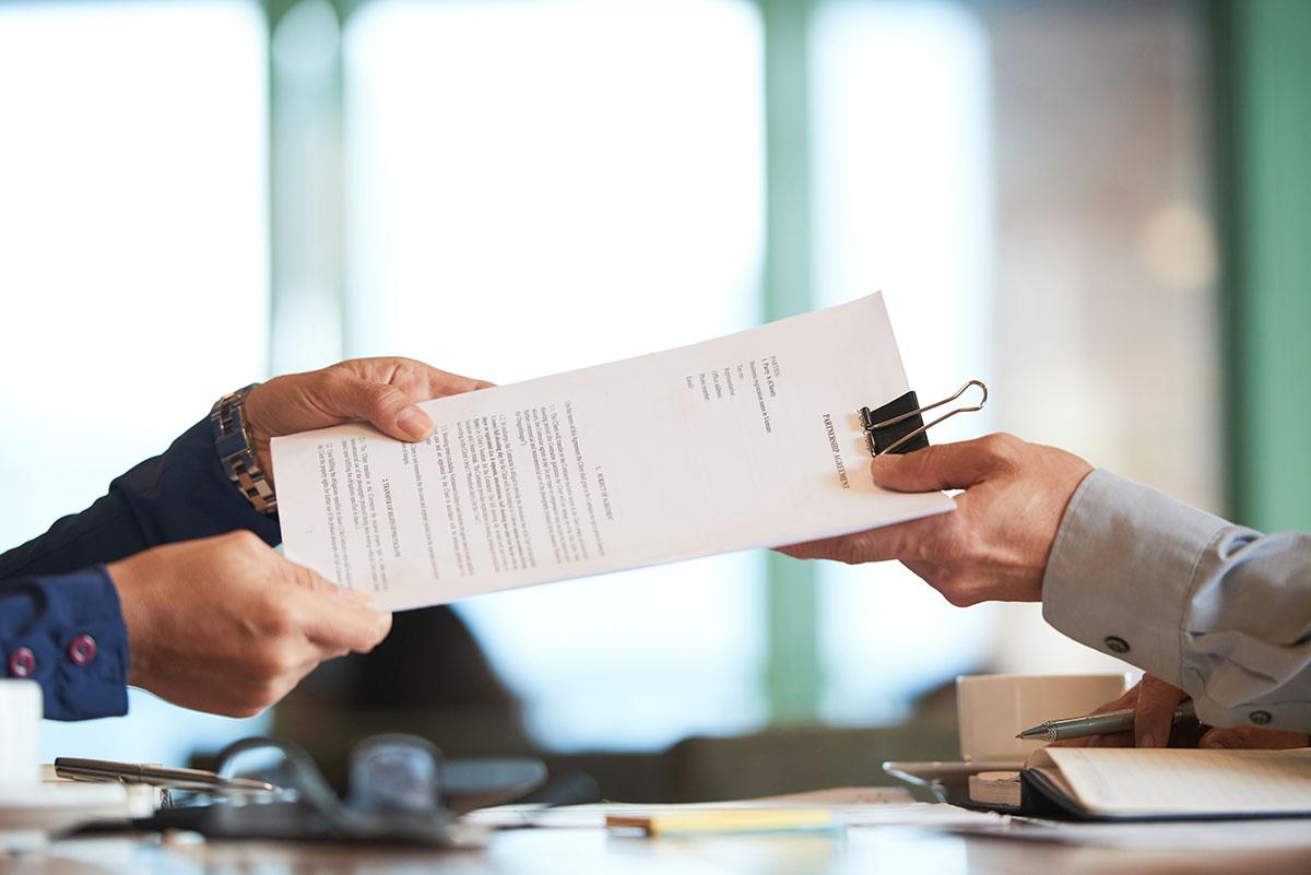You are currently viewing Dicas importantes para o contrato entre social media e cliente